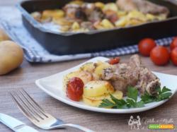 Patate con carne al forno