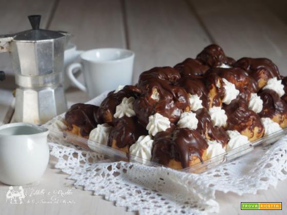Profiteroles al cioccolato con crema diplomatica