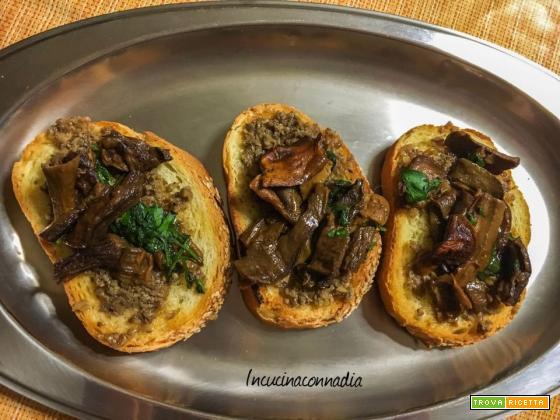 Bruschette con crema di tartufo e funghi porcini un attimo piatto