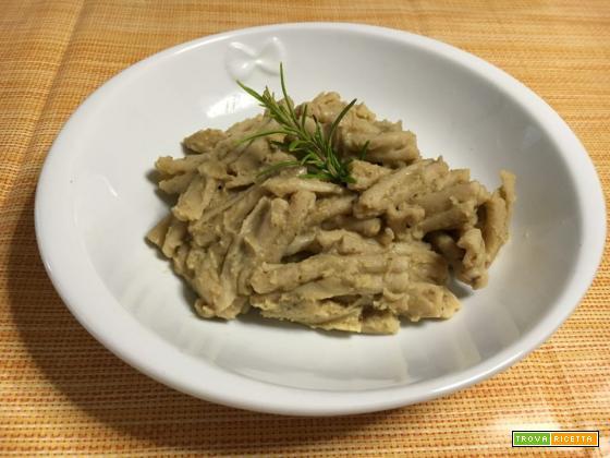 Pasta integrale con crema di ceci e rosmarino - Ricetta vegetariana