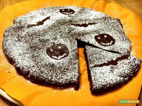 Torta tenerina con variante per Halloween con stencil