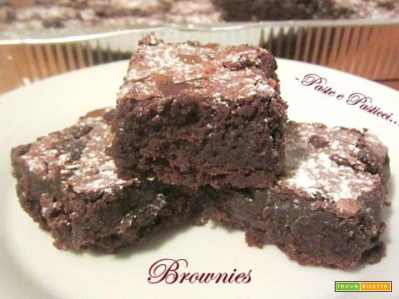 Brownies con mandorle tostate