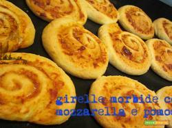 Girelle mozzarella e pomodoro