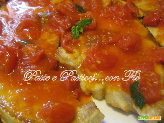 Palombo in umido con pomodorini ciliegino