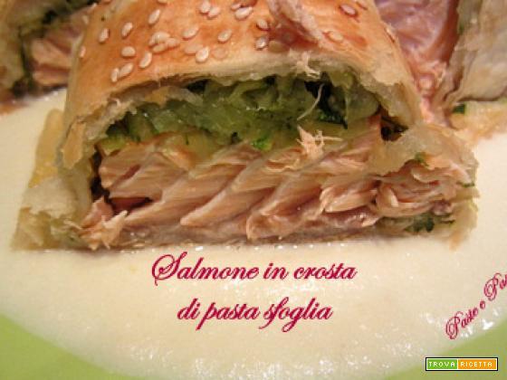 Salmone in crosta di pasta sfoglia