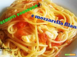 Spaghetti pomodoro e mozzarella