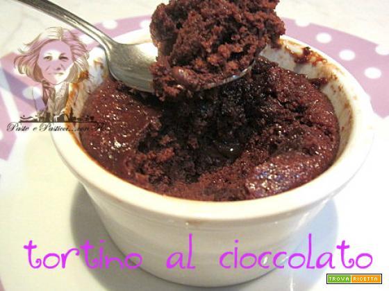 Tortino al cioccolato al microonde