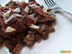 Filetto di manzo ai funghi e pecorino di Pienza