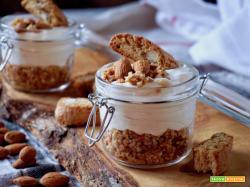 Cheesecake nel Barattolo ai Cantucci e Marsala