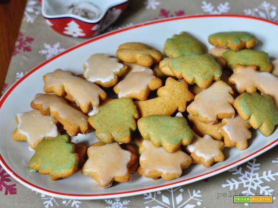 Biscotti speziati di Natale con zenzero e cannella