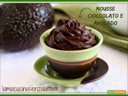 Mousse avocado e cioccolato vegan