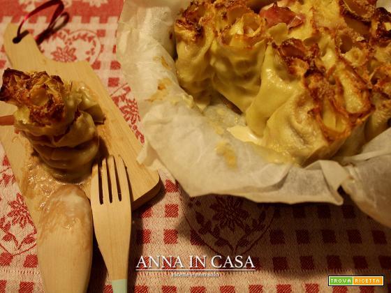 Rose di pasta con prosciutto