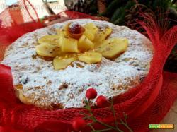 Torta panettone alla mela con uvetta