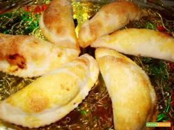 Calzoncini ripieni di cenata (marmellata d?uva)