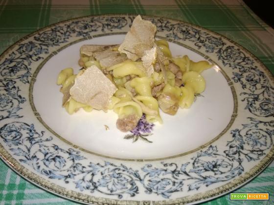 Campanelle ai funghi e tartufo bianco
