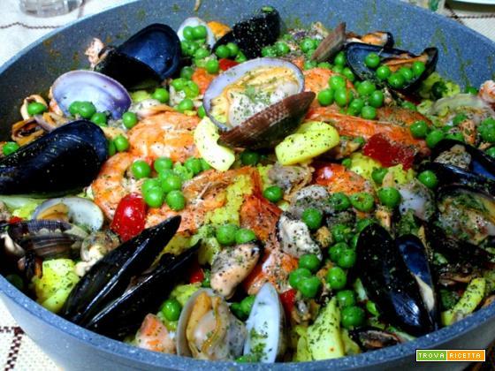 Paella di mare (dalla cucina tradizionale spagnola)