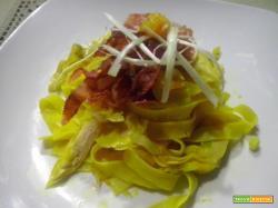 Pappardelle con porri, pancetta e arancia