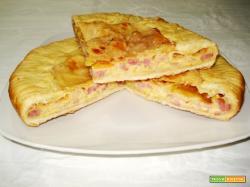 Pizza rustica con scamorza (per 4)