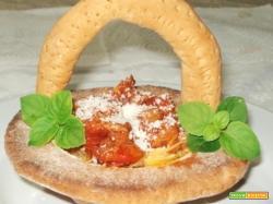 Tagliatelle pomodoro e tonno in crosta (Per 4)