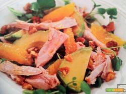 Insalata di pollo con arancia e avocado