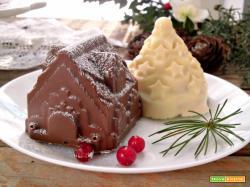 Dolci casette di cioccolato pandoro e crema al latte