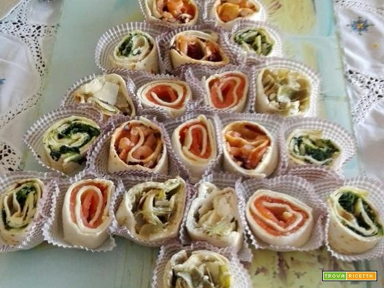 Alberello di Natale con piadagirelle salate