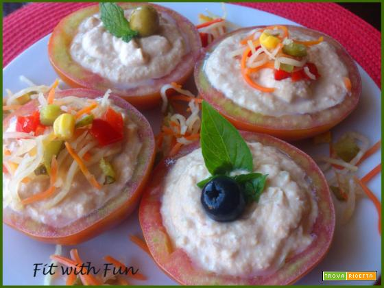 Pomodori Freddi ripieni di Salsa Tonnata
