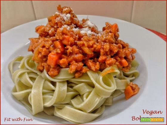 Tagliatelle con Ragù Vegano di Soia alla Bolognese