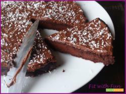 Torta Barbabietola Rossa e Cacao con Crema Avocado e Cacao