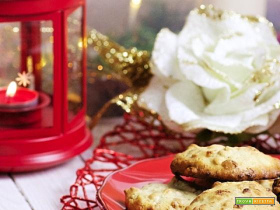 Biscotti noci, cioccolato bianco e peperoncino