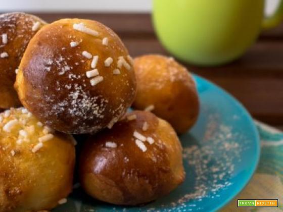 Brioches dolci per la colazione – Ricetta senza burro