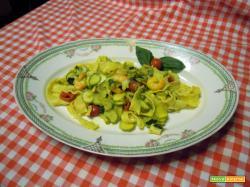 Mafaldine con zucchine e gamberetti