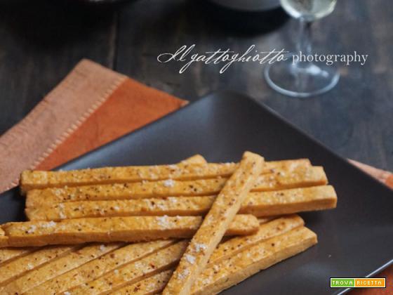 Biscotti salati al formaggio e peperoncino