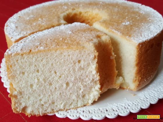 Angel Food Cake con aroma di limone, vaniglia e mandorla