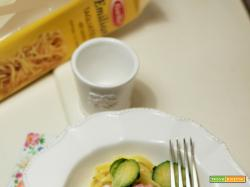Tagliatelle all'uovo con cavoletti di bruxelles e pancetta