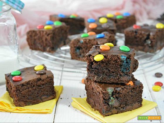 Brownies al doppio cioccolato con M&M
