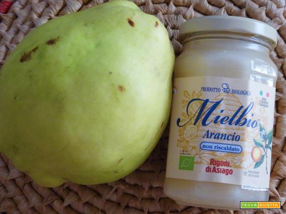 Crostata al cacao, miele e pere cotogne