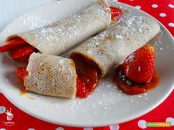 Crepes Light con farina di Quinoa, confettura di Rosa Canina e fragole