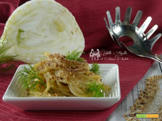 Spaghetti con crema di finocchio e nocciole