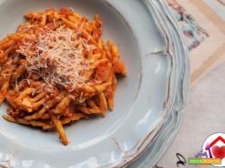Trofie con pomodoro e ricotta  – ricetta semplice