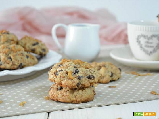 Biscotti con fiocchi di farro e gocce di cioccolato