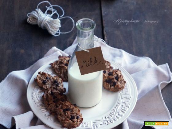 Solo 3 ingredienti e 3 minuti: Biscotti vegan&light banana e gocce di cioccolato