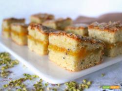 Torta ai kiwi frullati con pistacchi e ricotta – senza burro nè olio
