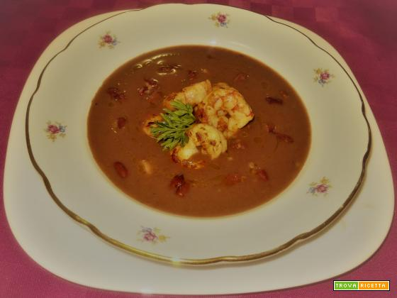 Crema di fagioli rossi lucchesi con gamberetti