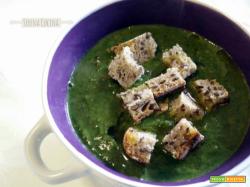 Zuppa detox con lenticchie, spinaci e patate
