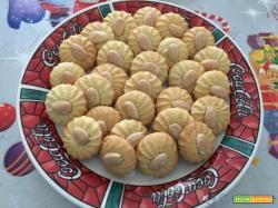 Pasticcini con la pasta di mandorle