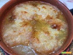Zuppa di cipolle gratinata con Moulinex Cuisine Companion