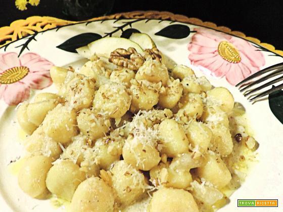 Gnocchetti gorgonzola pere e noci