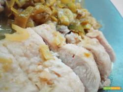 Petto di pollo scaloppato con porri