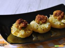 Polpettine piccanti con crostini di polenta